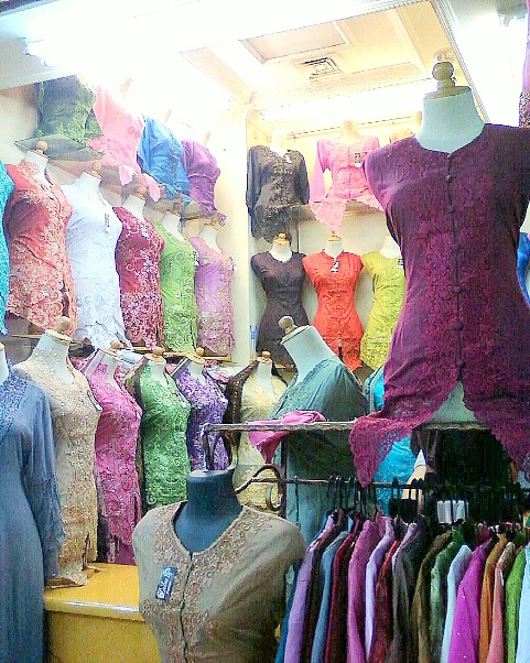 thamrin city - baju kebaya